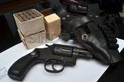 Bak Koboi, Pemadat Tenteng Pistol dan Todongan ke Polisi