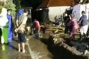 Banjir Bandang Terjang Pasuruan Seorang Nenek dan Gadis Hanyut, Belasan Rumah Rusak
