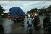 Banjir Bandang Terjang Pasuruan, Jalur Pantura Sempat Lumpuh Total