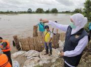 Tinjau Banjir Jombang, Gubernur Khofifah Ajak Masyarakat Jadi Relawan Jogo Kali