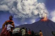 Update Merapi, Siang Ini Kembali Muntahkan Lava Pijar Sejauh 500 Meter ke Barat Daya