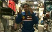 Begini Tata Cara Salat Astronot Muslim saat Berada di Luar Angkasa
