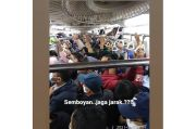 Selalu Padat Penumpang, Protokol Kesehatan Tidak Berlaku di KRL Commuter Line
