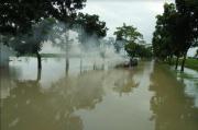 Terobos Banjir, Mobil Sedan Ini Terbakar