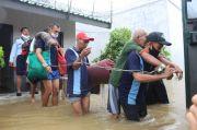 Dramatis, Dalam Kondisi Dirantai Ratusan Napi Dievakuasi Akibat Sel Tahanannya Kebanjiran