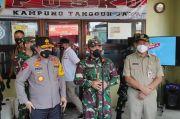 Sambangi Kampung Tangguh, Pangdam Jaya: Bahu-membahu Memberi Bantuan
