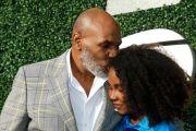 Mike Tyson Blak-blakan Rampok Gadis Remaja Seusia Putrinya