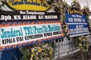 Karangan Bunga Moeldoko-AHY Berdampingan, Netizen: Berdamailah