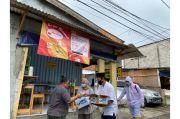 MNC Peduli Gandeng PMI Bagikan Masker dan Lakukan Penyemprotan Disinfektan di Kebon Jeruk