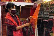 Terselip Doa sang Pengrajin, Kemenparekraf Ajak Masyarakat Berbelanja Produk UMKM