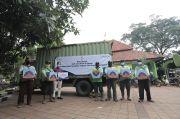 Peduli dengan Petugas TPU Pondok Ranggon, Persatuan Istri Karyawan Pupuk Indonesia Salurkan Paket Sembako