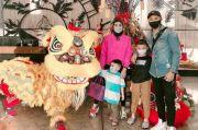 Rayakan Imlek, Soraya Larasati Staycation bersama Keluarga
