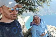 Suami Ini Selfie dengan Istri Hamil lalu Mendorongnya dari Tebing 1.000 Kaki