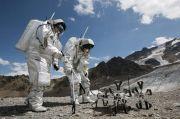 Ilmuwan Hungaria Ciptakan Alat Pelacak Keberadaan Air di Bulan