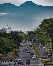 Debat Seru Warganet Soal Gunung Gede Pangrango Terlihat dari Kemayoran