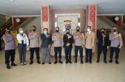 Bantu Pemulasaran Jenazah COVID-19, Polda Sultra Raih Trust Award