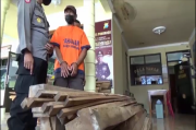 Miris, untuk Perbaiki Rumah yang Nyaris Roboh, Petani Miskin Ini Curi Kayu Jati Perhutani