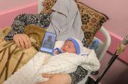 Inilah Bayi Palestina ke-96 dari Sperma Selundupan Penjara Israel