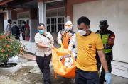Gempar, Mayat Pria Setengah Telanjang Ditemukan Bersama Puntung Rokok Berlipstik