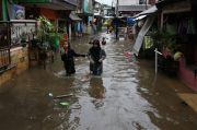 Tanggul Jebol, Puluhan Rumah di Cimanggis Depok Terendam Banjir