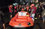 Respons Bencana Banjir, RNI Bantu Perahu Karet dan Logistik