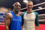 Trilogi Lawan Mike Tyson, Holyfield Dibantu Wladimir Klitschko