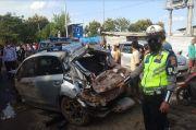 Kecelakaan di Tol Cipali Km 180, Mobil Subaru Ditabrak dari Belakang hingga Masuk ke Jalan Kampung