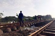 Rel Tergerus Banjir di Bekasi, KA Jarak Jauh Belum Bisa Berangkat dan Masuk Jakarta