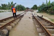 Dampak Banjir, Seluruh Perjalanan KA Jarak Jauh dan Lokal Kembali Dibatalkan Hari ini