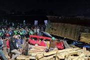 Rem Blong Truk Tronton Hantam 2 Mobil di Salatiga, 2 Orang Tewas di Tempat