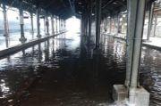 Stasiun Semarang Tawang Lumpuh Total Terendam Banjir