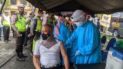 Ratusan Polisi di Mojokerto Disuntik Vaksin COVID-19