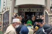 Jenazah Istri Ketua MK Dimakamkan di TPU Selapajang Tangerang