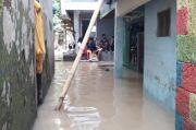 Kali Ciliwung Meluap, Permukiman Warga di Bidara Cina Terendam Banjir Setinggi 80 Cm