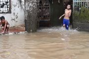 Warga Bidara Cina Tagih Janji Kampanye Anies Tuntaskan Banjir Luapan Kali Ciliwung