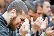 5 Hadis Berdoa Mengangkat Tangan Setelah Sholat Fardhu