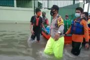 Semarang Masih Banjir Pak Ganjar! Jenazah Ini Diantar ke Pemakaman dengan Perahu Karet