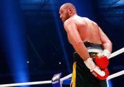 Satu Tangan Terikat di Belakang, Tyson Fury Pede Bekuk Joshua
