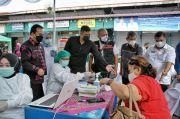 Wali Kota Bobby Nasution Tinjau Pelaksanaan Vaksinasi Bagi Pedagang di Medan