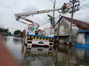 Kisah Pasukan Khusus Penjaga Terang di Tengah Banjir Semarang