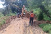 Longsor Sepanjang 15 Meter, Akses Jalan di Tantaman Agam Diberlakukan Buka Tutup