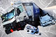 Truk Colt Diesel Terbalik, Lalin di Tol Janger Lajur Keluar Kembangan Padat