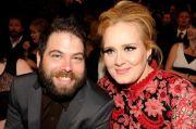 Setelah Menunggu 2 Tahun, Adele dan Simon Konecki Akhirnya Resmi Cerai
