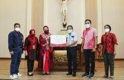 Bank Jatim Serahkan CSR Sarana Prasarana Gereja di Madiun