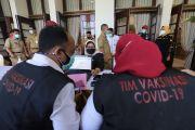 Usai Divaksin, Ini Komentar Menggelitik Anggota DPRD Surabaya