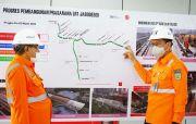 Perdana! Komut KAI Kiai Said Aqil Siradj Blusukan ke LRT