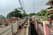 Jalan Dipagar Beton Pemilik Tanah, Warga Ciledug Berharap Pemerintah Hadir