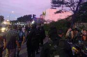 Bentrok Ormas di Tangsel, Brimob Bersenjata Lakukan Penyekatan di Graha Raya