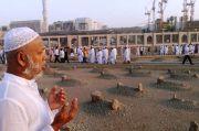 Doa Ziarah Kubur Lengkap dengan Artinya