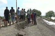 Tanggul Darurat Sungai Citarum Ambles 60 Sentimeter
